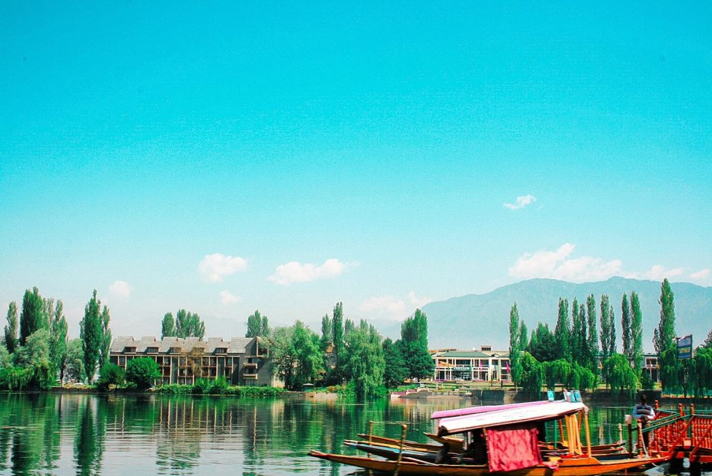 Off-beat destinations to explore in Kashmir!